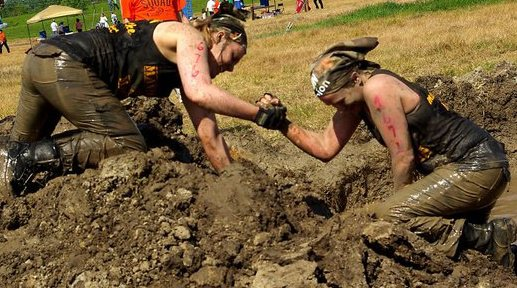 Teamwork at MuckFest MS St. Louis.